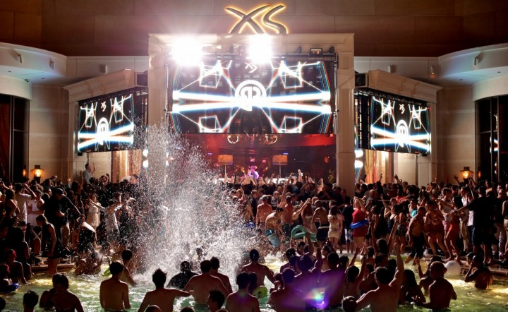 XS-Sunday-Nightswim-Vegas-720x442